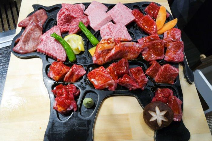 東京│每日限定5份的一頭牛套餐。俺の焼肉銀座九丁目