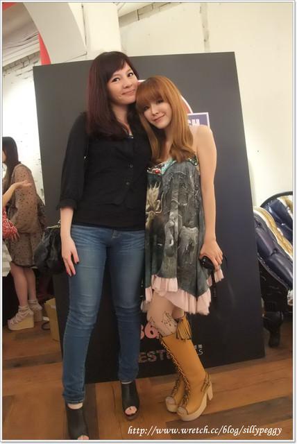 [小日記] B2B中山店開幕+iPets‧愛寵物 2012桌曆愛心義賣