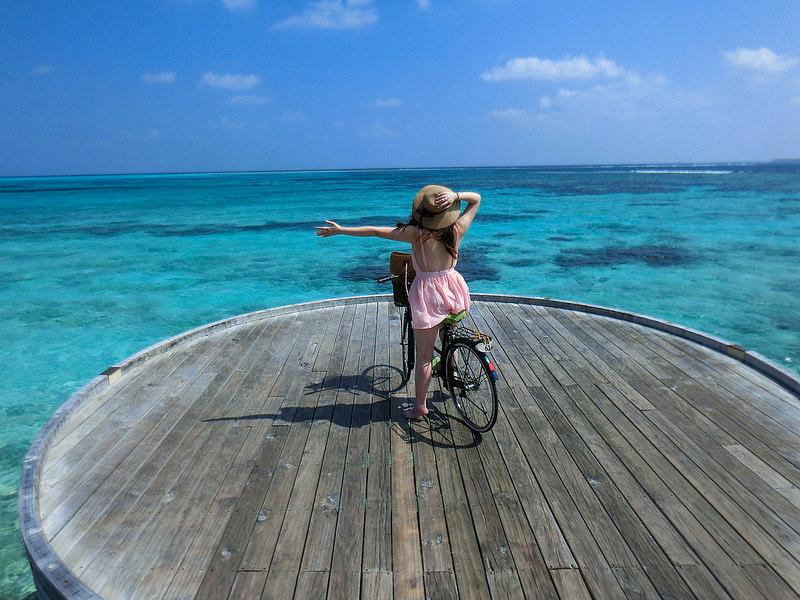 [蜜月] 厚片女度假怎穿?10套馬爾地夫海島顯瘦穿搭分享