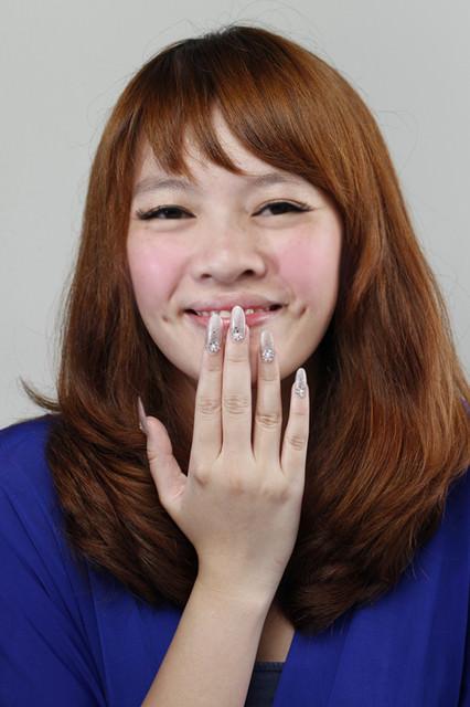 [指彩] 小資女孩必看♥百元打造氣質華麗風指彩